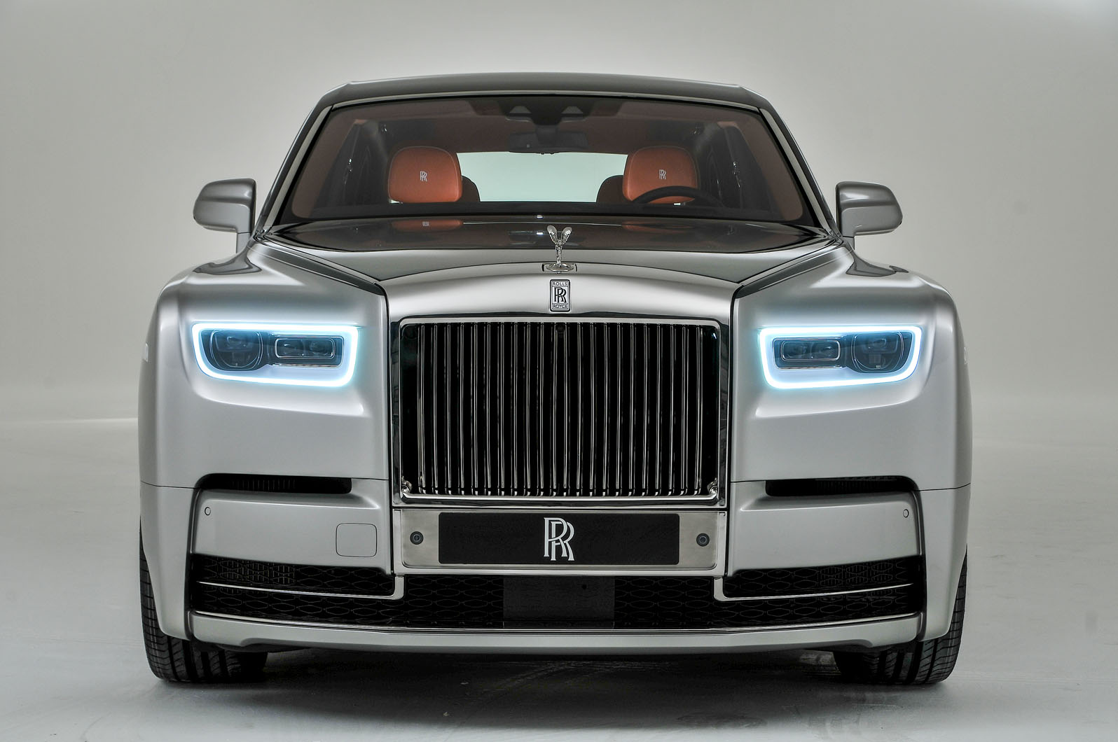 new release from rolls royce it 39 s the new rolls royce phantom. Black Bedroom Furniture Sets. Home Design Ideas